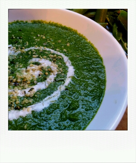 Raw Vegan Pea and Mint Soup